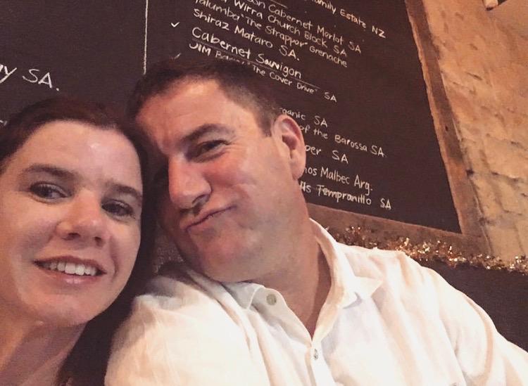 Morar fora com marido e filhos Eloise Esmitz
