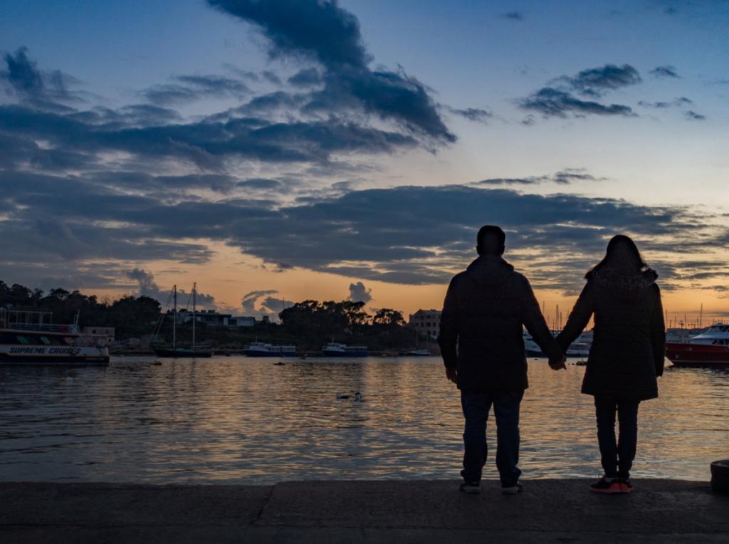 A trajetória do primeiro casal nômade digital brasileiro